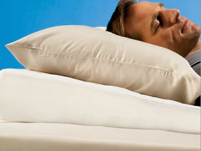 the-sleep-improving-pillow-wedge-1