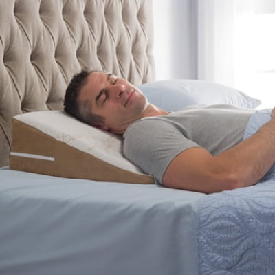 The Travelers Sleep Improving Wedge Pillow