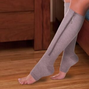 The Easy On Compression Leg Support - helps reduce swelling and improve blood flow