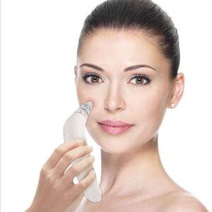 The Everyday Pore Cleanser - a facial tool that uses powerful yet gentle suction to clean pores