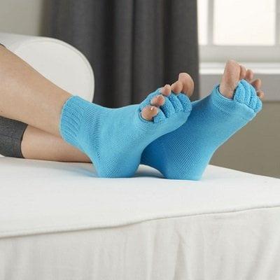 Proper-Toe-Alignment-Socks-1